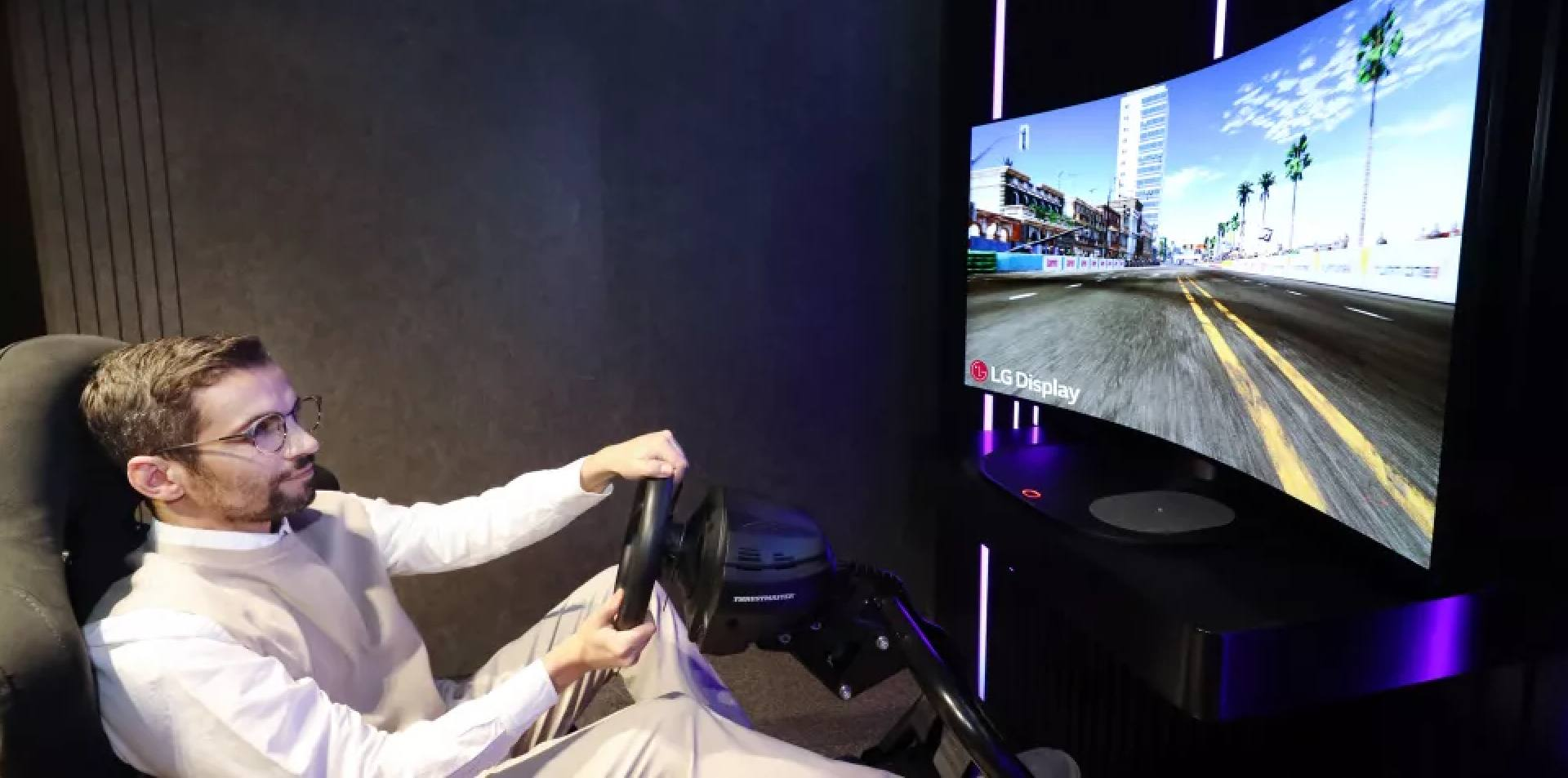 LG's 48-inch OLED TV and monitor, The future of flexible screens
