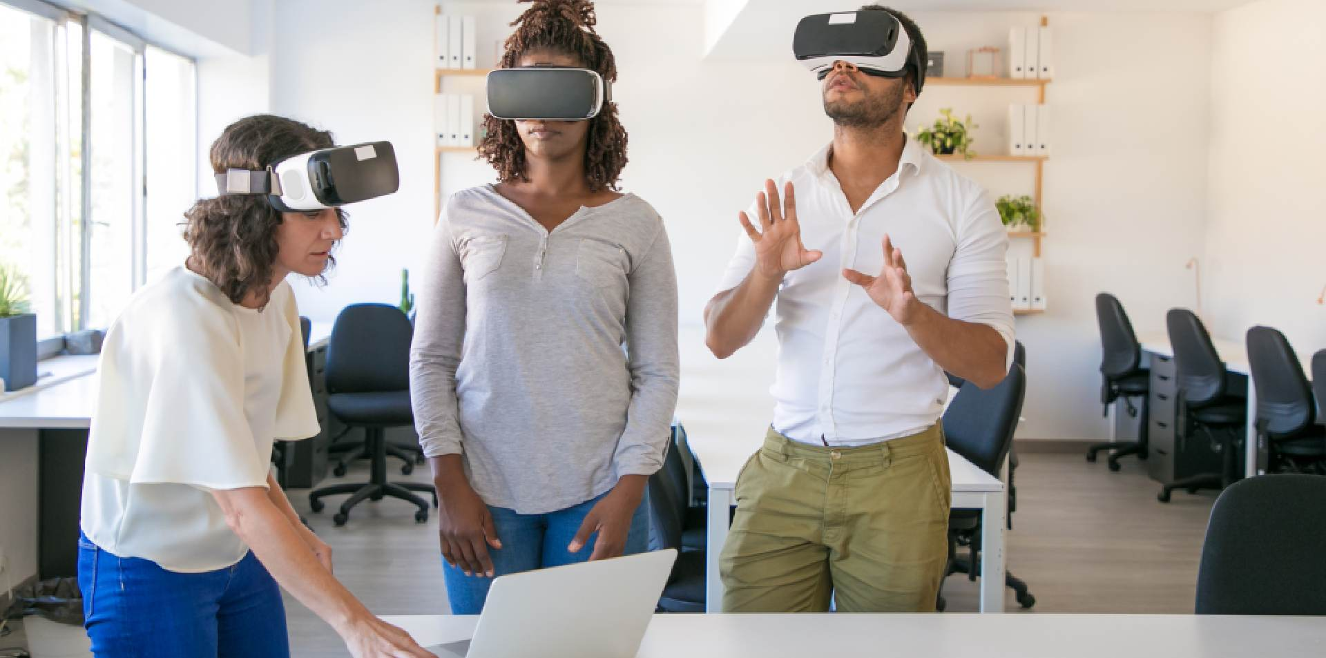 4 Cool Features VR Headsets Need to Update in 2021