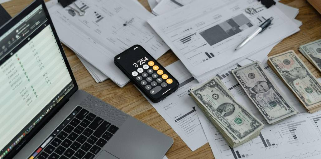 How does Financial Management Help Startups Survive