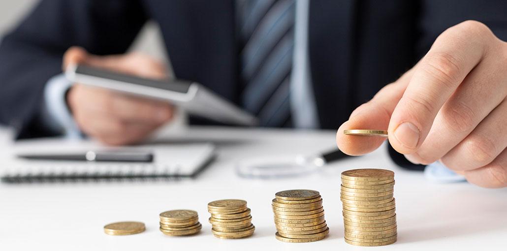 20 Tips & Money Hacks to Improve Your Finances